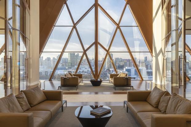 Фото №5 - Офисное здание по проекту Foster+Partners в Екатеринбурге
