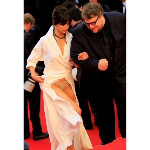 Фото №6 - За гранью: худшие наряды гостей Каннского кинофестиваля прошлых лет