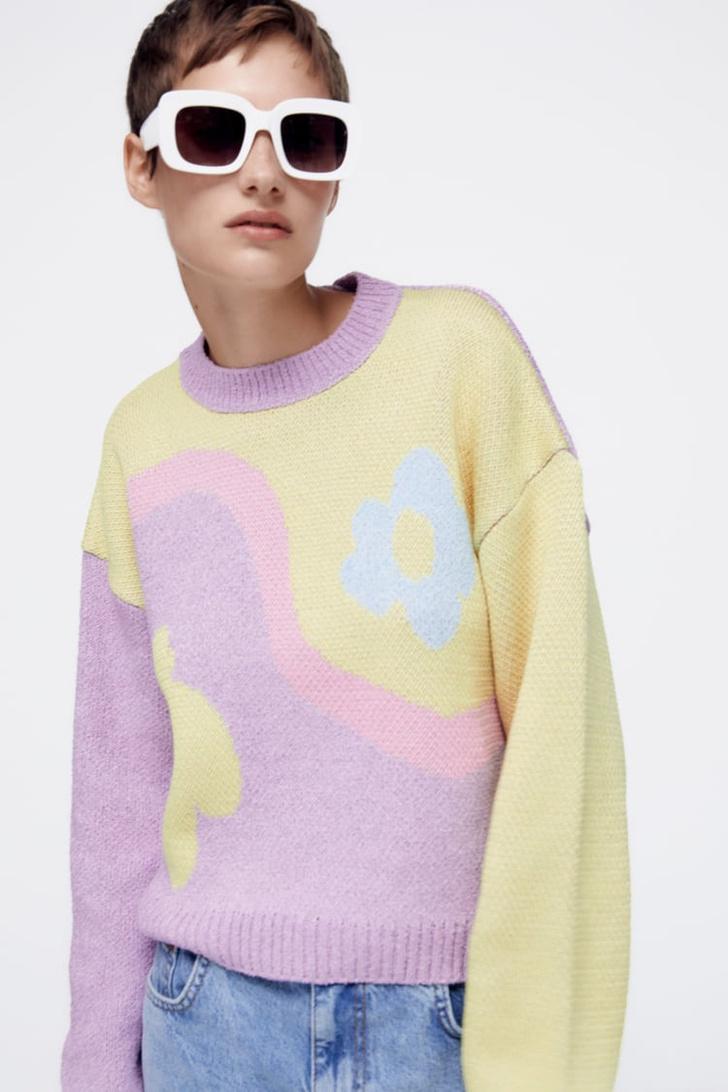 Фото №2 - 12 ярких свитеров, которые сделают вашу осень уютной