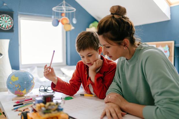 сколько стоит работа жены по дому