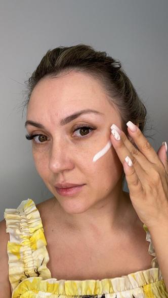 Фото №2 - Как стереть усталость с лица: экспресс-макияждля мамза 15 минут— фото