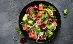 Салат с форелью и огурцом
