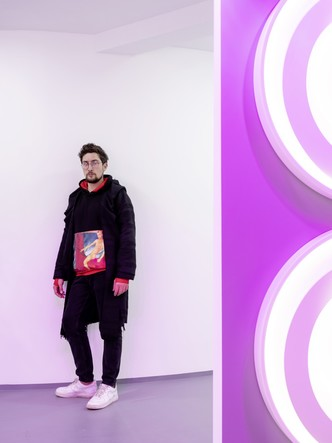 Фото №2 - В розовом свете: новый шоурум Laufen