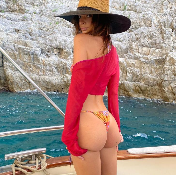 Фото №2 - Минимум одежды, максимум впечатлений: Эмили Ратаковски в Италии