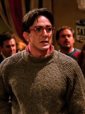 Фото №10 - «Друзья»: топ-10 самых странных парней Фиби Буффе 🤨