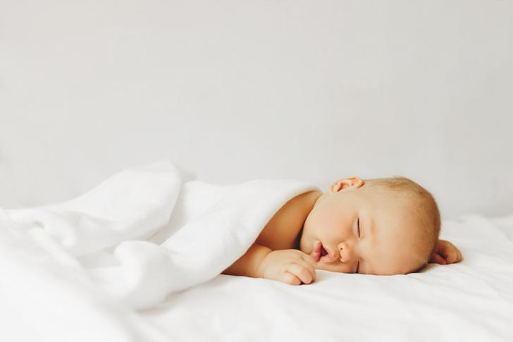 спать на животе, можно ли спать на животе, можно ли ребенку до года спать на животе, можно ли новорожденному спать на животе, безопасная поза для сна младенца