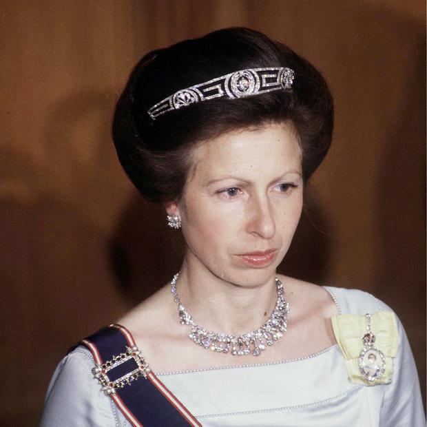 Фото №6 - 9 королевских тиар с удивительной историей