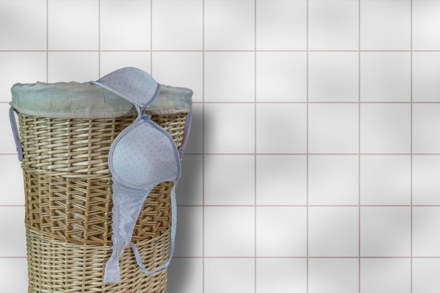 Фото №2 - Почему идет молоко из груди, если ты не беременна? И насколько это опасно? 🤔