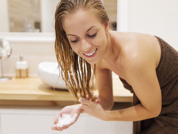 Фото №2 - До или после мытья: как правильно пользоваться кондиционером для волос