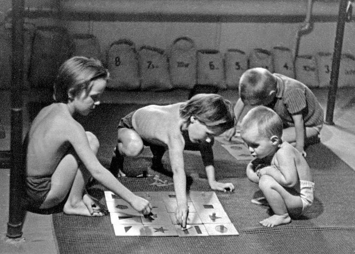 Фото №10 - Тепляковы по-советски: как эксперимент семьи Никитиных, воспитывавших людей будущего, не сделал из детей гениев