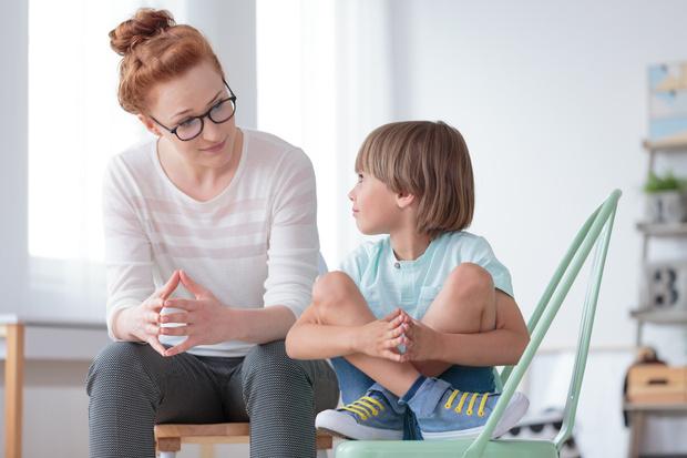 Фото №1 - Вечная паника: как мамины страхи отбирают детство у ребенка
