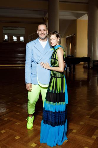 Фото №6 - Дорогой минимализм vs взрыв цвета: модный бой Бондарчуков против Катерины Шпицы с мужем на «Кинотавре»