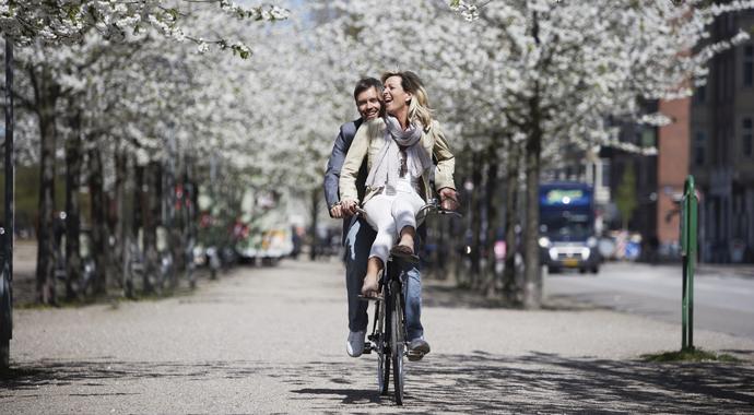 Почему весной так хочется любви