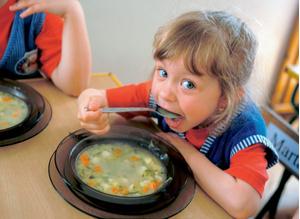 Фото №1 - Детский сад: марш за стол!