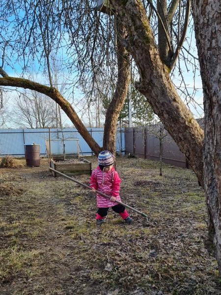 Фото №5 - Дачные радости для малыша: голосуем за самое яркое детское фото