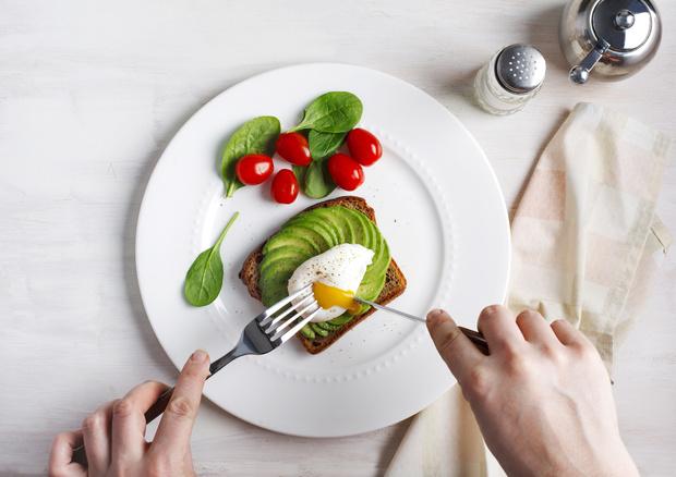 Фото №1 - Не пара! Каким продуктам нечего делать на одной тарелке и почему, объясняет эксперт