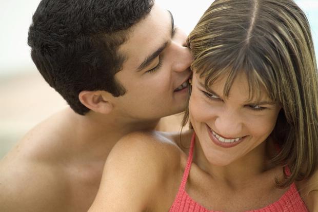Фото №1 - Почему твой парень тебя кусает 😈