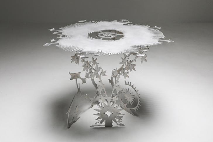 Фото №5 - Ornamentum: коллекция ажурной мебели из алюминия