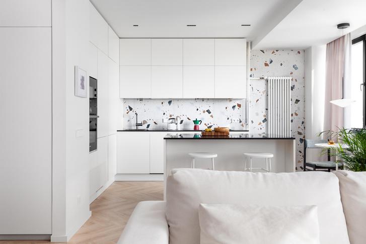 Фото №1 - Простота и функциональность: белая квартира 45 м²