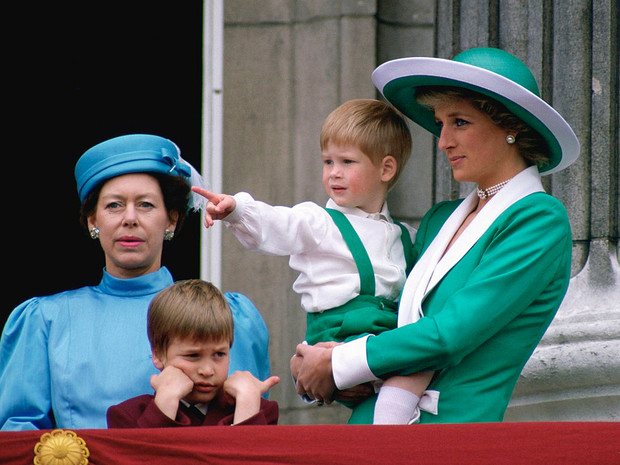 Фото №2 - Честь Короны: как принцесса Маргарет «защищала» семью от Дианы
