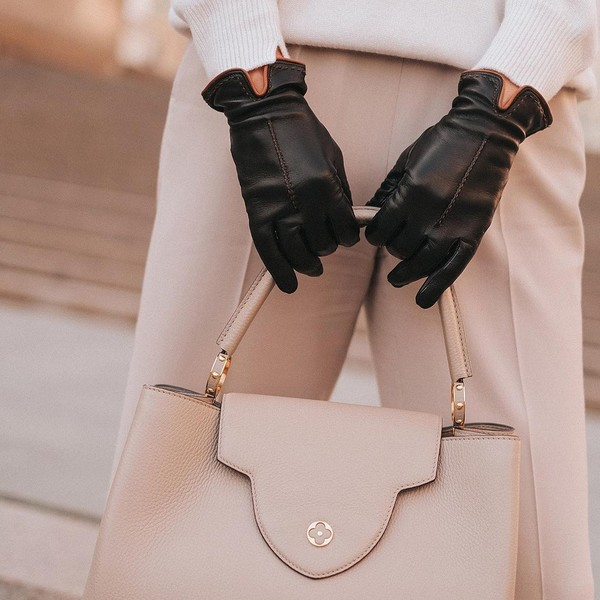 Фото №1 - Способы чистки кожаных перчаток