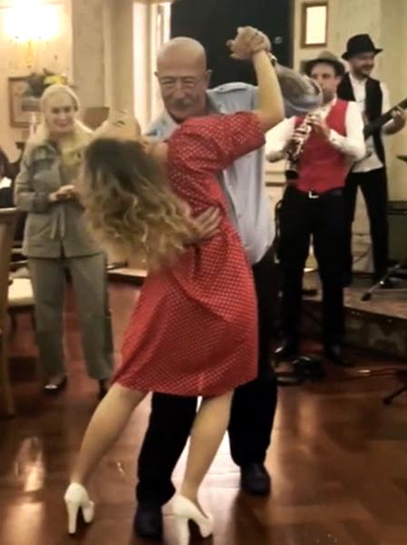 Фото №2 - Страстное танго с молодой гостьей и два дня вечеринки: Александр Розенбаум собрал звезд российской эстрады в честь своего юбилея