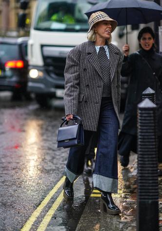 Фото №6 - 5 способов модно подвернуть джинсы в 2020 и 2021 году