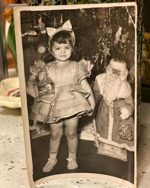Внучка Ларисы Долиной растет копией бабушки: фото