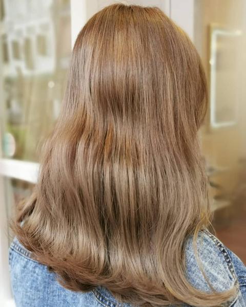 Фото №7 - Молочный цвет волос: самое модное окрашивание этого лета