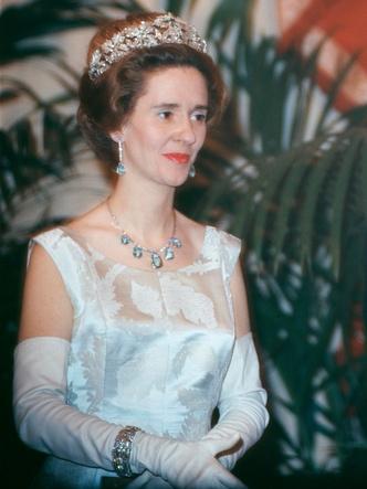 Фото №5 - У какой королевской семьи Европы самая дорогая коллекция тиар