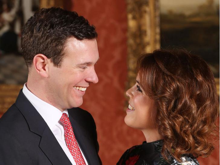 Фото №4 - Особое мнение: как Королева реагировала на помолвки принца Чарльза и внуков