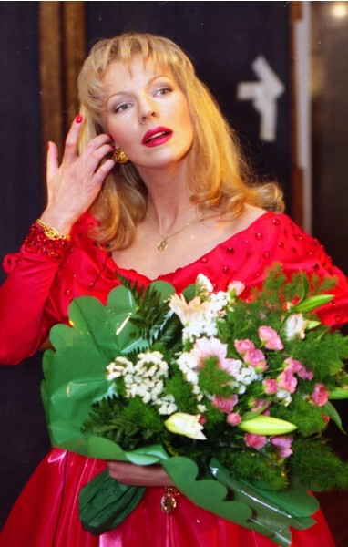 Фото №5 - Где суперзвезда 1990-х Наталья Ветлицкая пряталась 15 лет и почему решила вернуться в Россию