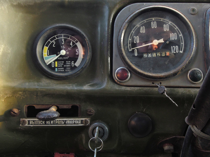 Фото №3 - Почему у советских грузовиков такие странные колеса