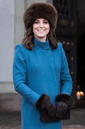 Фото №6 - Все цвета радуги: почему герцогиня Кейт так любит яркие пальто