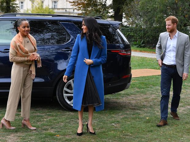 Фото №3 - Как мама Меган отнеслась к их с Гарри «разводу» с королевской семьей