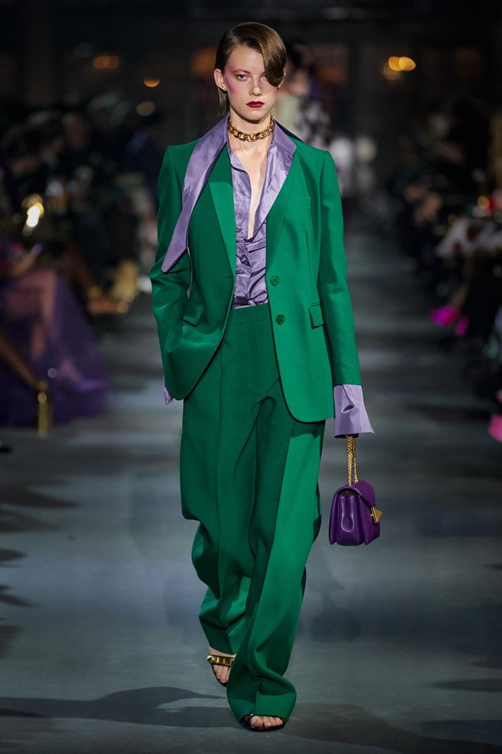 Фото №5 - Что, как и с чем носить весной 2022: свежие идеи с Недель моды