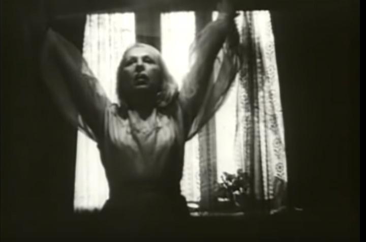 Фото №10 - «Я чайка»: все о Валентине Караваевой— актрисе, которая из-за шрама на лице не могла играть в кино, сбежала от мужа-миллионера и сошла с ума