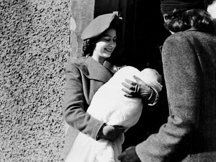 Фото №3 - Когда Королева— вторая мама: полный список крестников и крестниц Елизаветы II