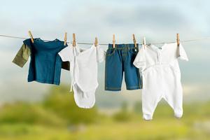 Фото №1 - Чем и как стирать детские вещи?