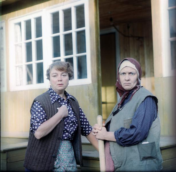 Фото №8 - Искусственный снег, 40-летняя бабушка и самая вкусная овсянка: факты о любимых советских фильмах, которые вы не знали