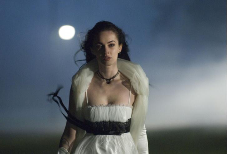 Фото №43 - Страшно модные: самые стильные героини фильмов ужасов