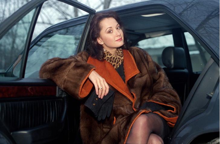 Фото №19 - Популярные актрисы 1990-х: в каких фильмах прогремели, за что полюбились и как расплатились за славу