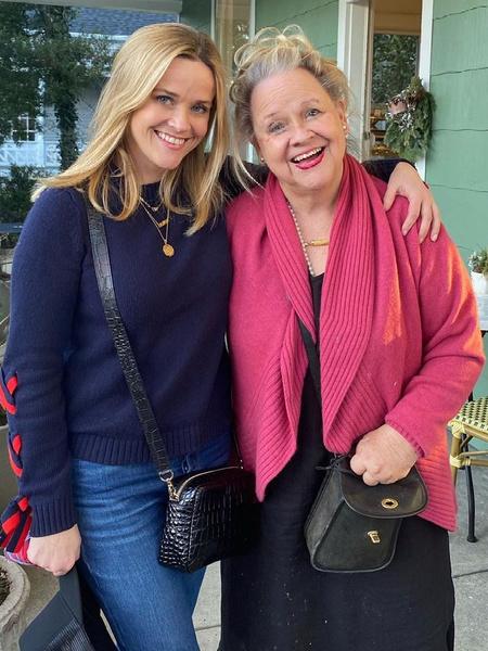 Риз Уизерспун, инстаграм, фото, 2021, последние новости, мама Риз Уизерспун, как выглядят мамы знаменитостей