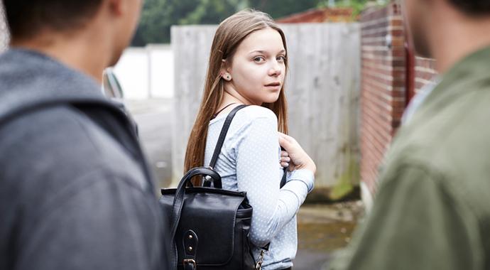 Виды уличных домогательств: как их различать и зачем это нужно?