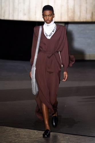 Фото №10 - Сладкая жизнь: как носить шоколадные оттенки