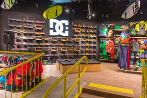 Фото №2 - В Москве открылся новый магазин для сноубордистов и серфингистов