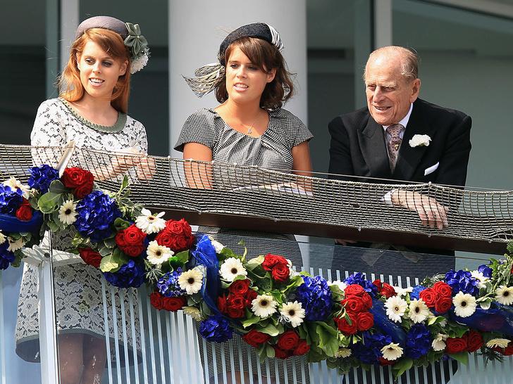 Фото №12 - Любимый дедушка: 25 самых трогательных фото принца Филиппа с внуками