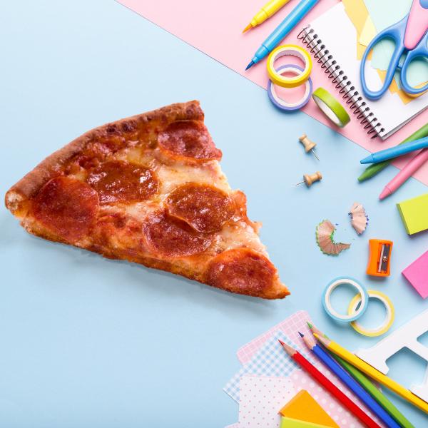 Фото №1 - Тест: Собери пиццу, а мы угадаем, какой школьный предмет тебе не нравится 😤