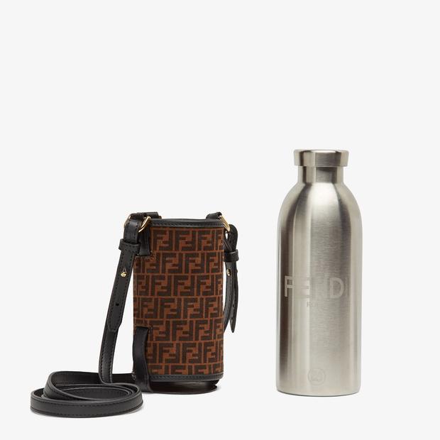 Фото №13 - Фэшн-гидратация: 15 бутылок и сумок для них, которые захочется носить каждый день