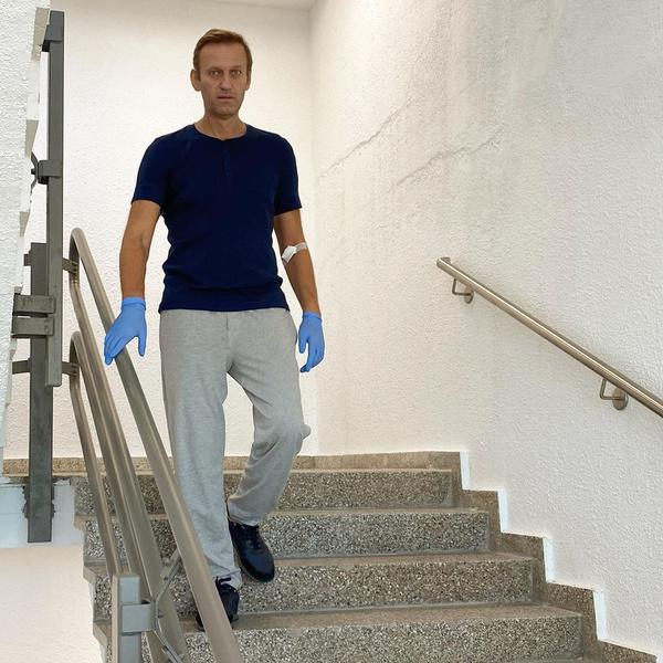 Фото №2 - «Не понимал, как разговаривать»: Навальный эмоционально поведал о восстановлении после отравления